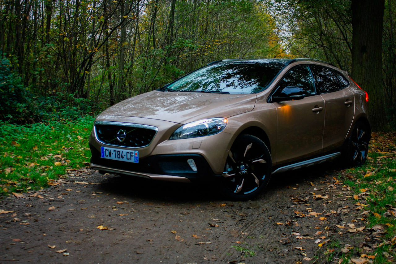 essai volvo v40 t4 awd cross country un krispolls high. Black Bedroom Furniture Sets. Home Design Ideas